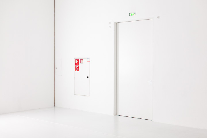 Fire exit - at Hamburger Bahnhof, Berlin
