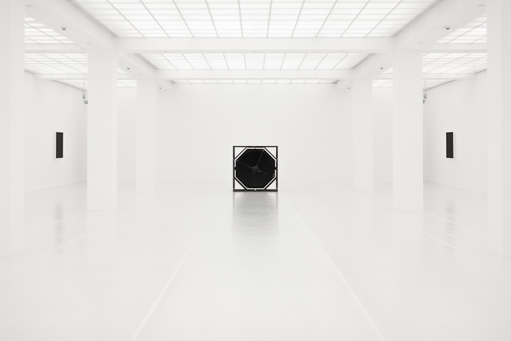 White Room - at Hamburger Bahnhof, Berlin, exhibition by Ryoji Ikeda