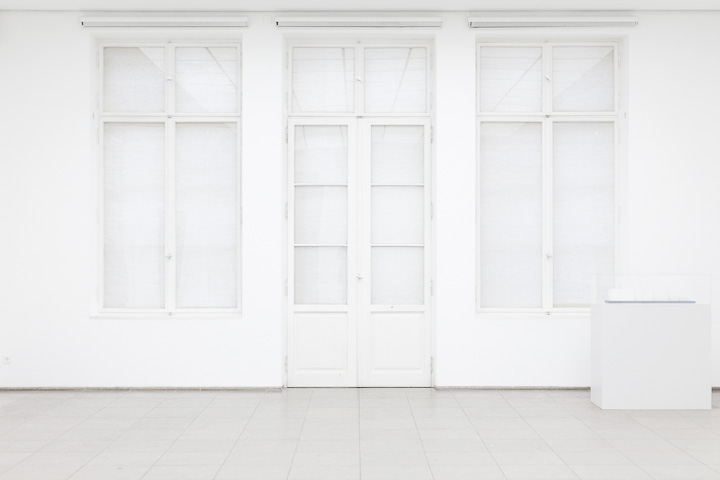 White door - at Hamburger Bahnhof, Berlin